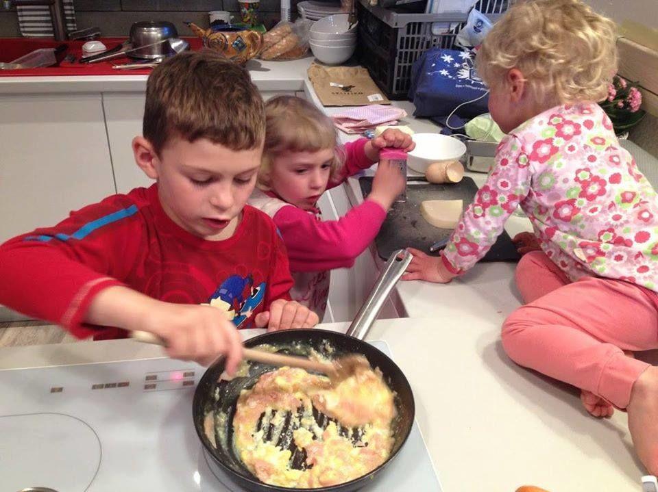 děti vkuchyni - montessori kuchyňka
