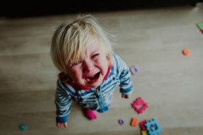 vztekající se dítě
